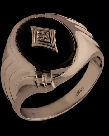 A Gent's Black Onyx Ring with a Central Diamond in 10K White Gold-0