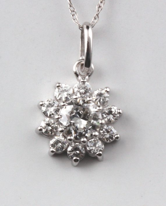 10 MM wide cluster pendant